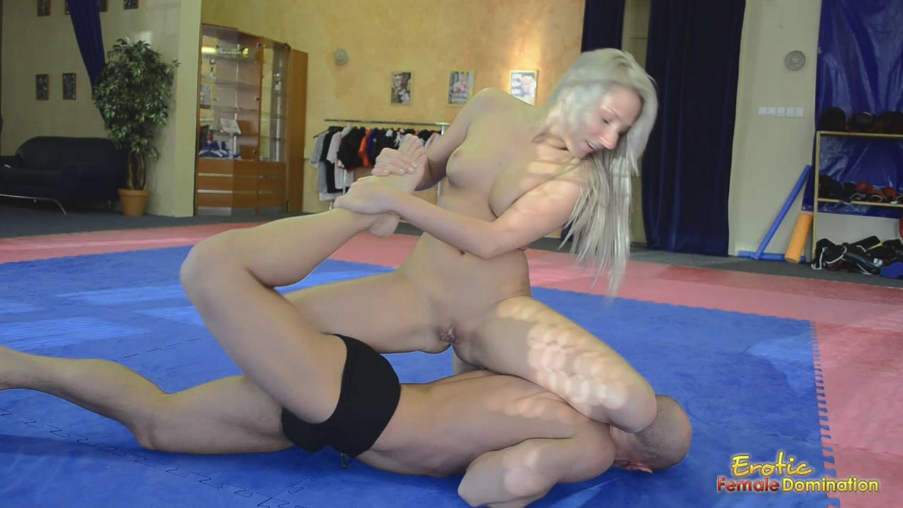 Yasmin grabbed cock and the lesson begin 10