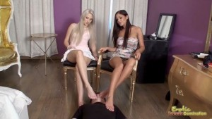 Dominatrices Get Their Feet Sniffed By Virgin Loser