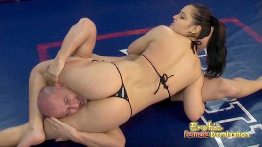 Women wrestlers female domination