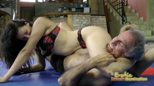 Dark Haired Wrestling Bikini Babe Destroying Her Slave