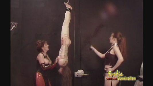 Hot lesbian interacial orgy
