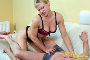 Bianca likes to ravage her slave's balls