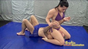 Caroline Teases Her Male Opponent With Her Beauty
