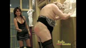 Mature dominant woman plays by turn with her slaves