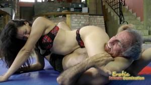 Dark Haired Wrestling Bikini Babe Destroying Her Slave