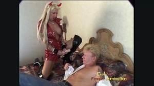 Tattooed Shedevil Wakes Her Man For Some Pegging