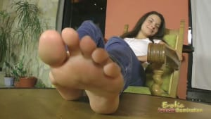 Brunette Anita Bellina shows off her pretty feet and toes